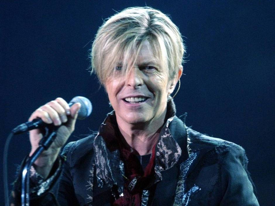 Bowie on the Reality tour.  Not taken by my Mum. She didn't take any photos this time.